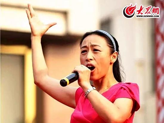 """""""杀猪姐""""的《我是大明星》农民歌手穆俊霞-央视明星邀您 五一 共"""